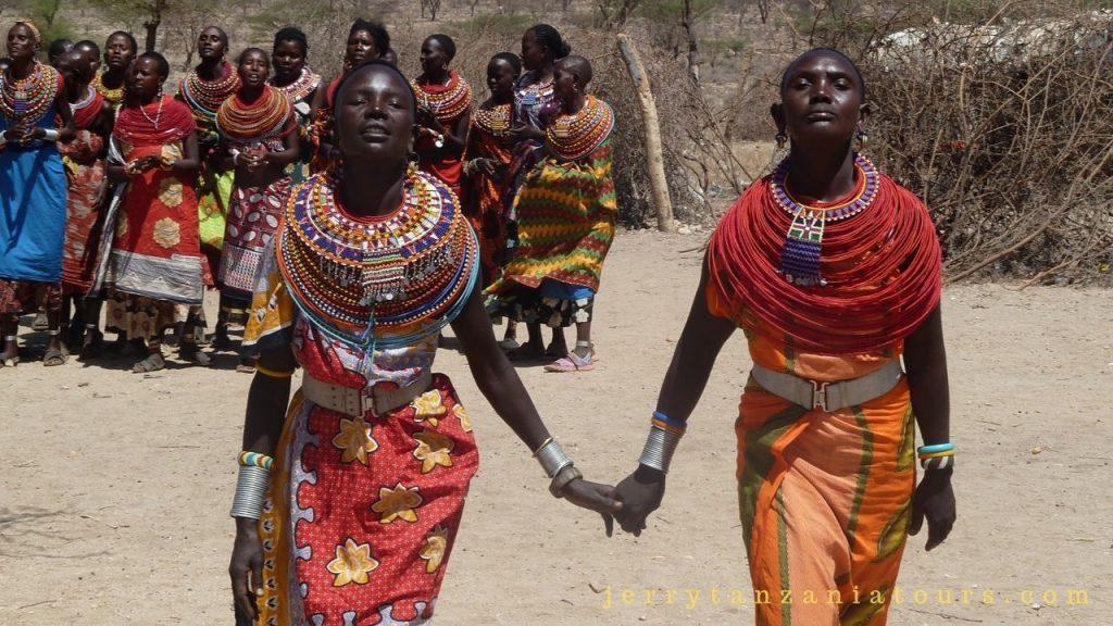 Maasai clothing & ornaments